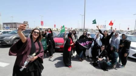 Historic day as 190 women drive across causeway in 12 hours