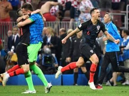 Mandzukic hits winner in extra time to break English hearts and set up final against France on Sunday